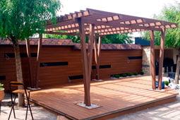 Мебель для загородного дома из массива дерева